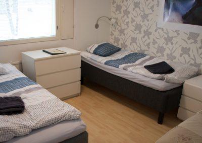 Makuuhuone C,  kolmelle henkilölle